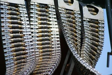 Gros plan sur les balles de mitrailleuses utilisées sur un bombardier ère guerre mondiale II. Banque d'images - 10887920