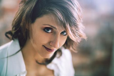 Ritratto di una bella giovane donna