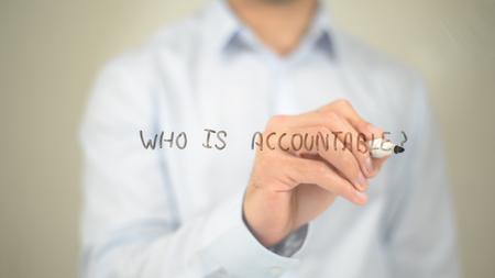 책임있는 사람, 투명 스크린에 글을 쓰는 사람