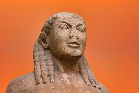 statue grecque: Portrait de Kouros Statue grec ancien