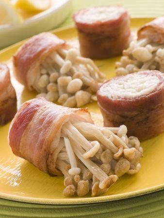 noone: Enoki Mushrooms wrapped in Smoked Bacon
