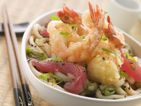 Bowl of Tempura Tiger Prawn and Udon Noodle Broth with Yellow Fin tuna Stock Photo - 3131534