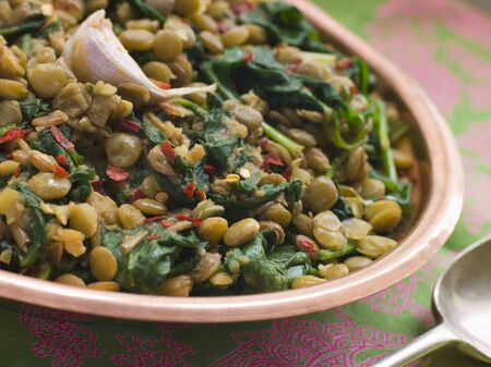 noone: Lentils with spinach and Garlic