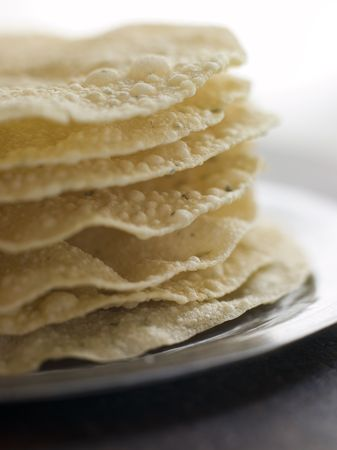 peo: Stack of cooked Papadoms