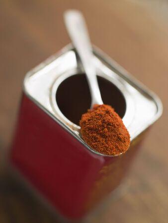 noone: Tin of Smoked Paprika Powder
