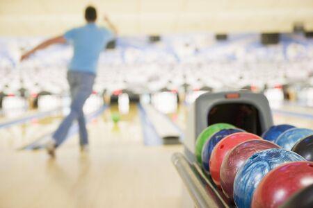 bowling: Hombre bolera  Foto de archivo