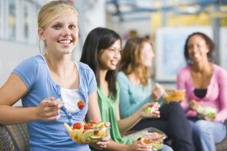 Les étudiants ayant déjeuner  Banque d'images