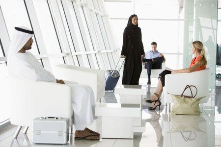 thobes: Las aerol�neas de pasajeros esperando en la puerta de embarque