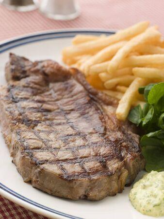 brasserie restaurant: Steak frite avec le cresson et la sauce Barnaise