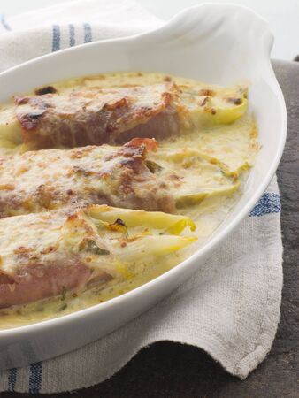 jambon: Dish of Chicory Gratin with Bacon