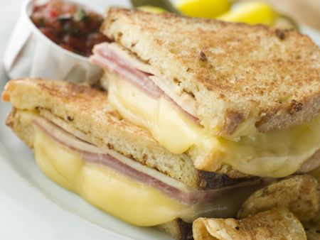 monte cristo: Fried Monte Cristo Sandwich with Salsa and Chips