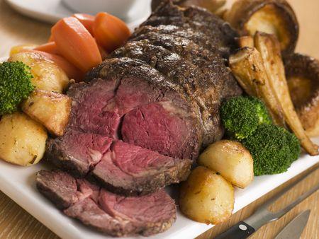 arrosto: Rib eye arrosto di carne bovina britannica con tutte le Passamaneria