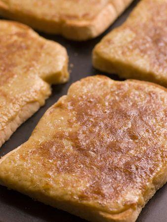 uk cuisine: Tray of Welsh Rarebit