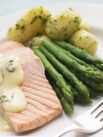 sorrel: Poached Salmon with Asparagus and Sorrel Sauce