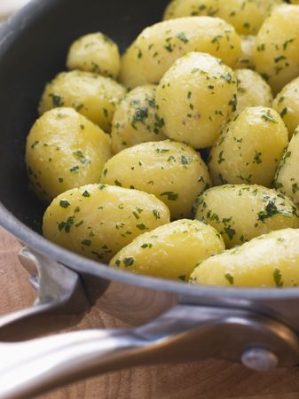 uk cuisine: Buttered New Potatoes with Parsley