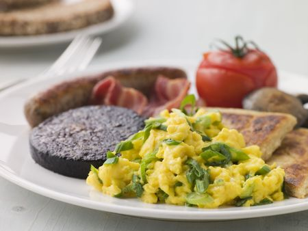 uk cuisine: Full Irish Breakfast with Irish Soda Bread