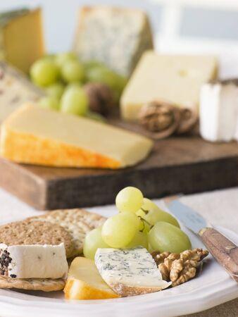 wensleydale: Placa de queso y galletas con un queso Junta