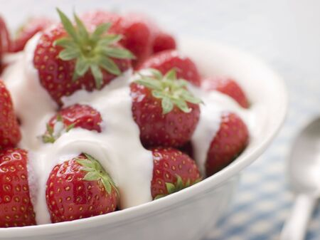 Bowl of Strawberries and Cream Stock Photo - 3476485