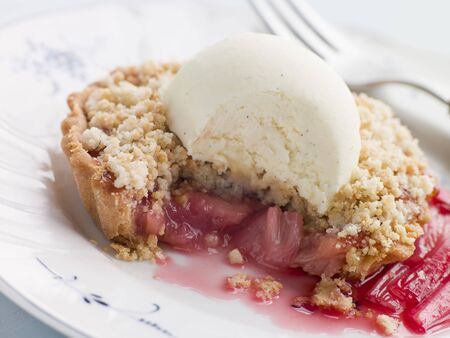 rhubarb: Rhubarb Crumble Tart with Vanilla Ice Cream
