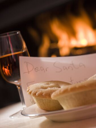 british foods: Santa Plate of Mince Pie Sherry and a Letter Stock Photo