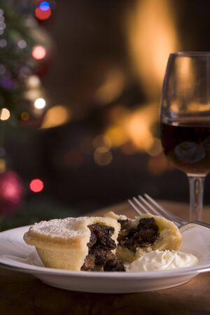 mince pie: Mince Pie with Brandy cream and a Glass of Sherry Stock Photo