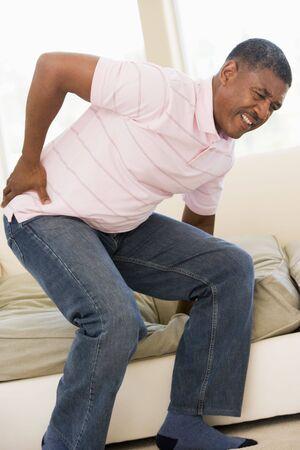 elderly pain: Uomo Con dolore alla schiena