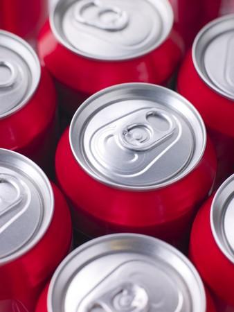 cola canette: Red Cola Cans Banque d'images