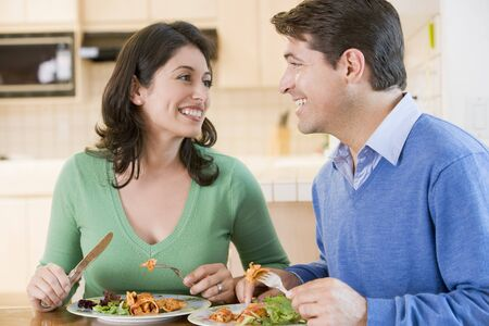 mealtime: Couple Enjoying meal,mealtime Together