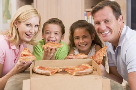 familia comiendo: Junto familia Comer pizza