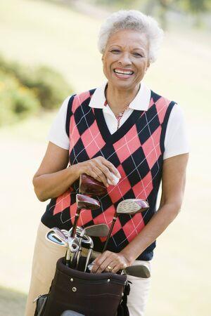 Retrato de una mujer golfista Foto de archivo - 4506965