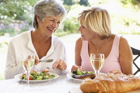 al: Friends Eating An Al Fresco Meal
