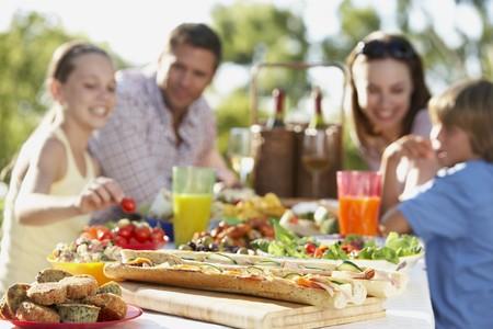 Essen & Trinken Familie Al Fresco