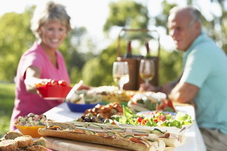 filled roll: Couple Dining Al Fresco
