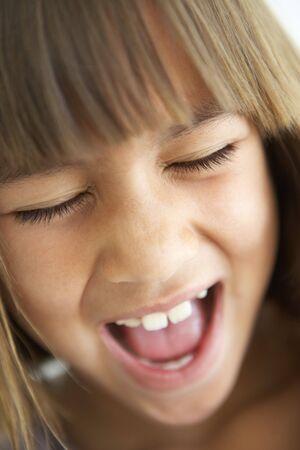 ni�a gritando: Retrato de muchacha de Screaming Foto de archivo