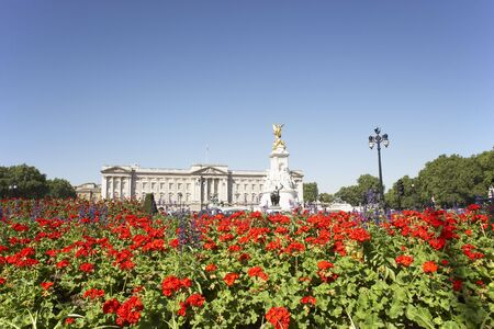buckingham palace: Buckingham Palace With Flowers Blooming In The Queens Garden, London, England