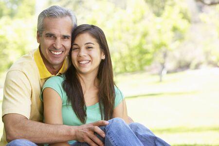 padre e hija: El hombre y su hija adolescente Foto de archivo