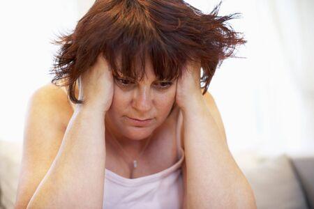 ragazza depressa: Depresso Sovrappeso Donna