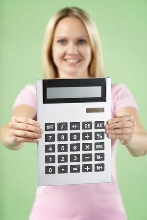 calculadora: Woman Holding Calculator