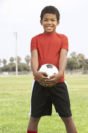futbol infantil: J�venes Boy en f�tbol