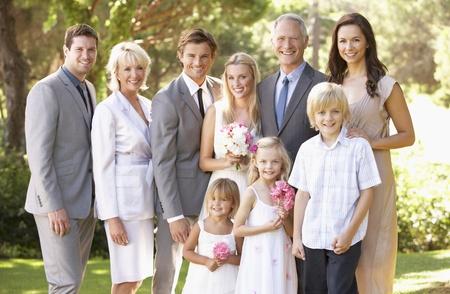 결혼식: Family Group At Wedding 스톡 콘텐츠