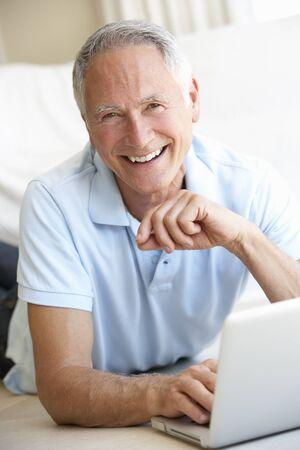 jubilados: Hombre Senior equipo port�til