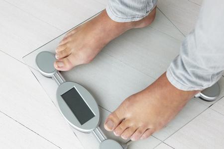 weighing scales: Primo up girl dettaglio di pesatura si