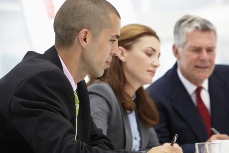 reunion de trabajo: Compa�eros de trabajo en el cumplimiento de