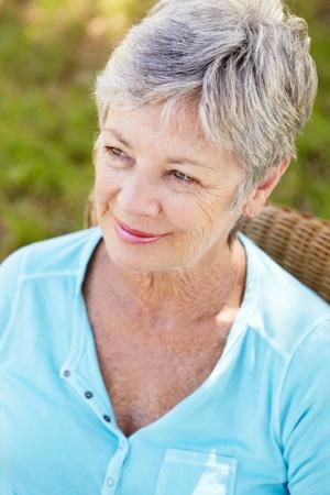 damas antiguas: Retrato de mujer mayor
