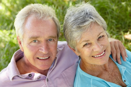 Portrait of senior couple Stock Photo - 11239103