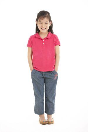 niños chinos: Encuadre de cuerpo entero Foto de estudio de la chica china Foto de archivo