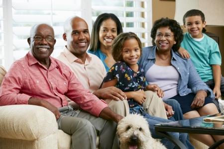abuelos: Retrato de la familia de generaci�n m�ltiple