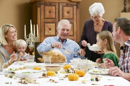 accion de gracias: Generación de la familia multi Celebración de Acción de Gracias Foto de archivo