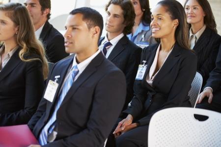 delegates: Pubblico Ascoltando La presentazione alla conferenza