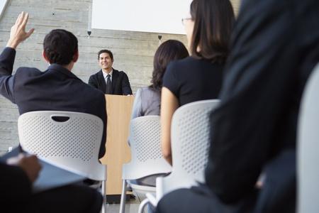 delegates: Imprenditore Delivering presentazione alla conferenza